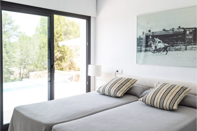 white-ibiza-villas-villa-azul-bedroom