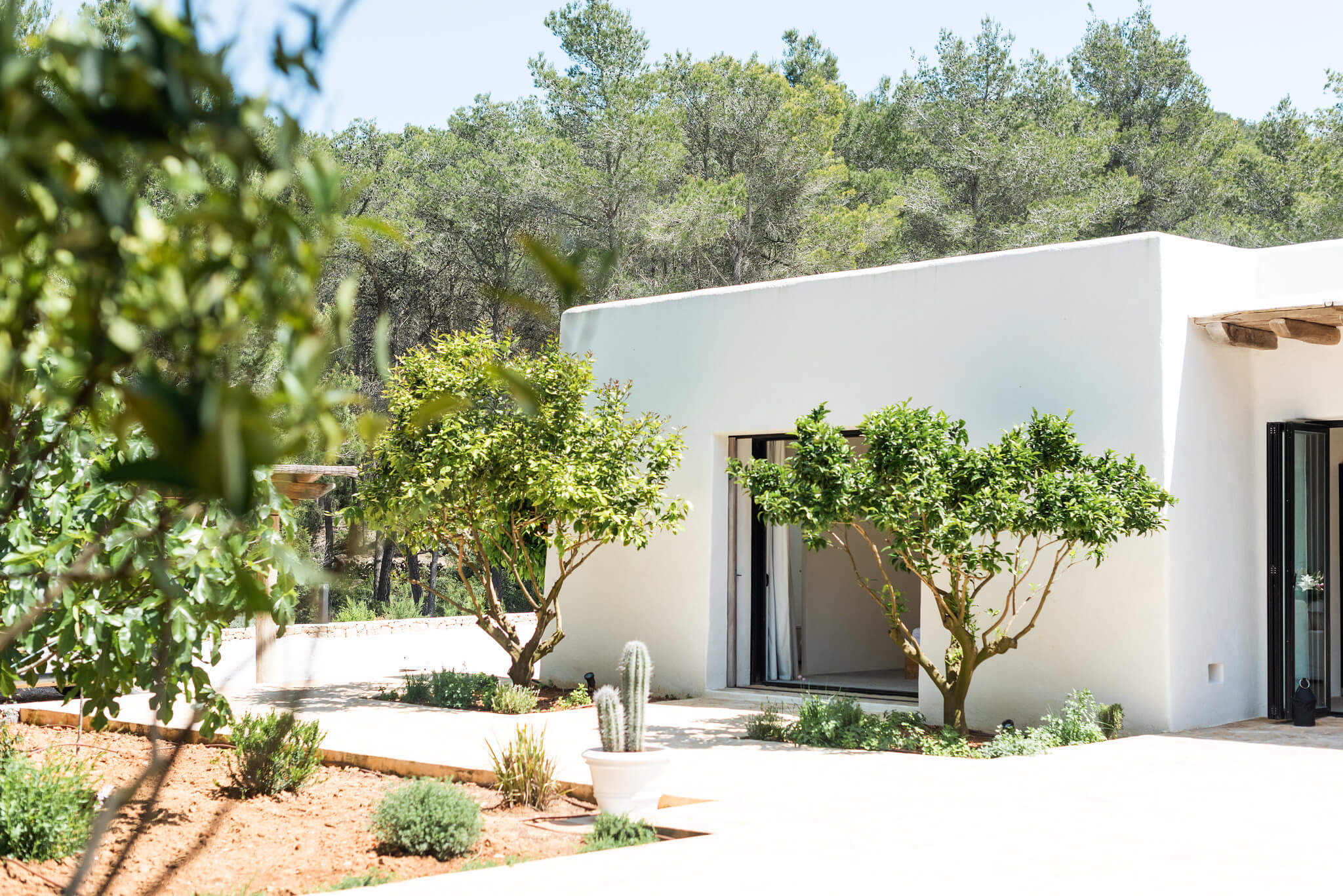 https://dev.white-ibiza.com/wp-content/uploads/2020/05/white-ibiza-villas-can-terra-view-to-bedroom.jpg